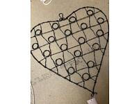 2 Hanging picture heart frames