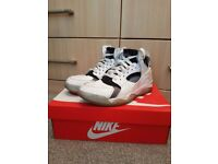 Nike air Huarache trainers - size UK 7