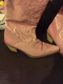 Size 7 ladies pink cowboy booys