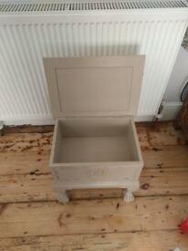 Shabby chic cream/stone coloured small storage trunk stool