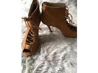 Zara tan suede Heels