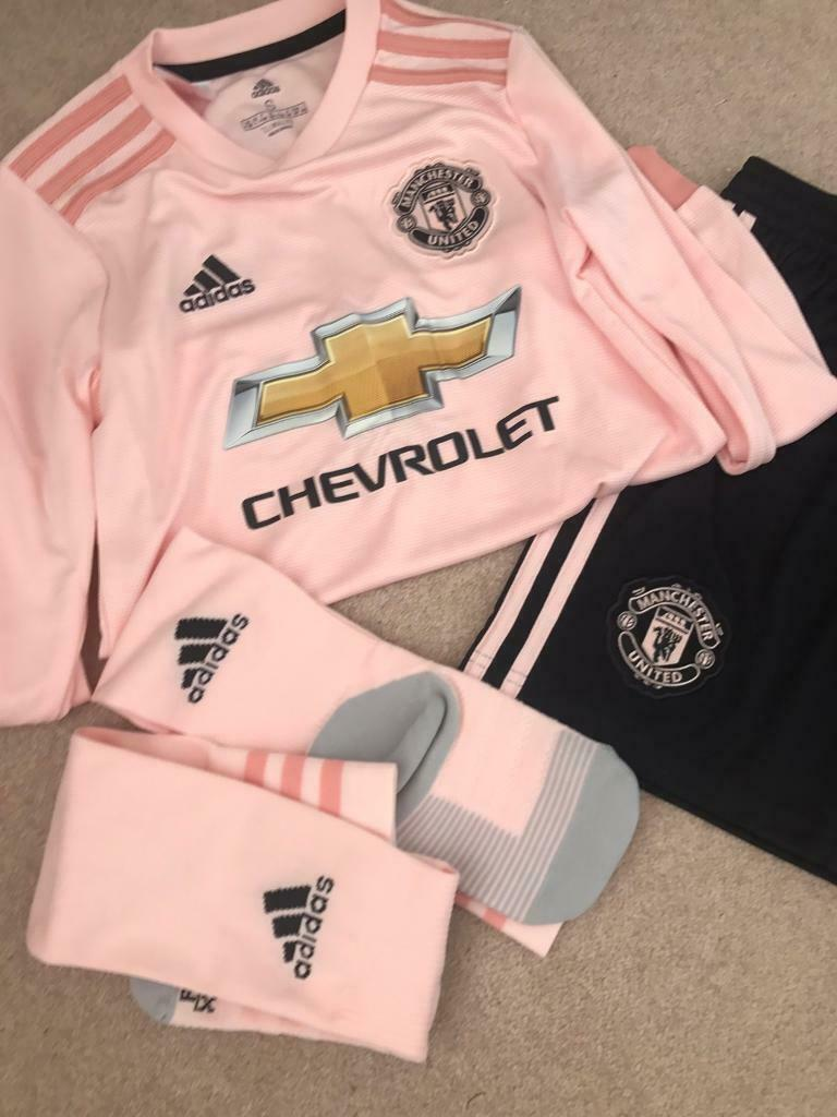 timeless design c5820 c90f6 Pink Manchester United Kit Age 9-10 | in Failsworth, Manchester | Gumtree