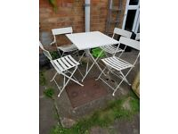 White metal garden bistro table & 4 chairs