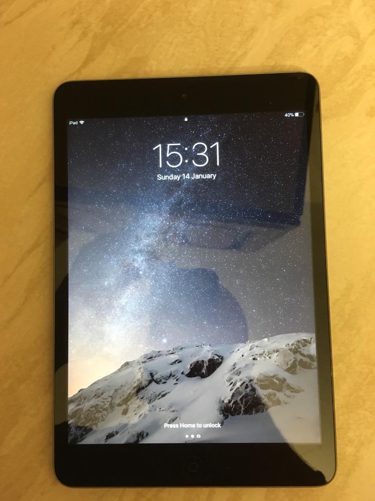Apple iPad mini 2 32gb WiFi only model