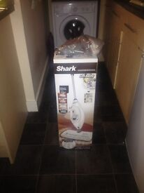 Shark Lift off Steamer rrp 100 brand new with assessories