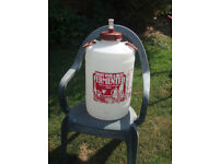 Youngs homebrew beer/wine fermenter 25 litre capacity with air lock