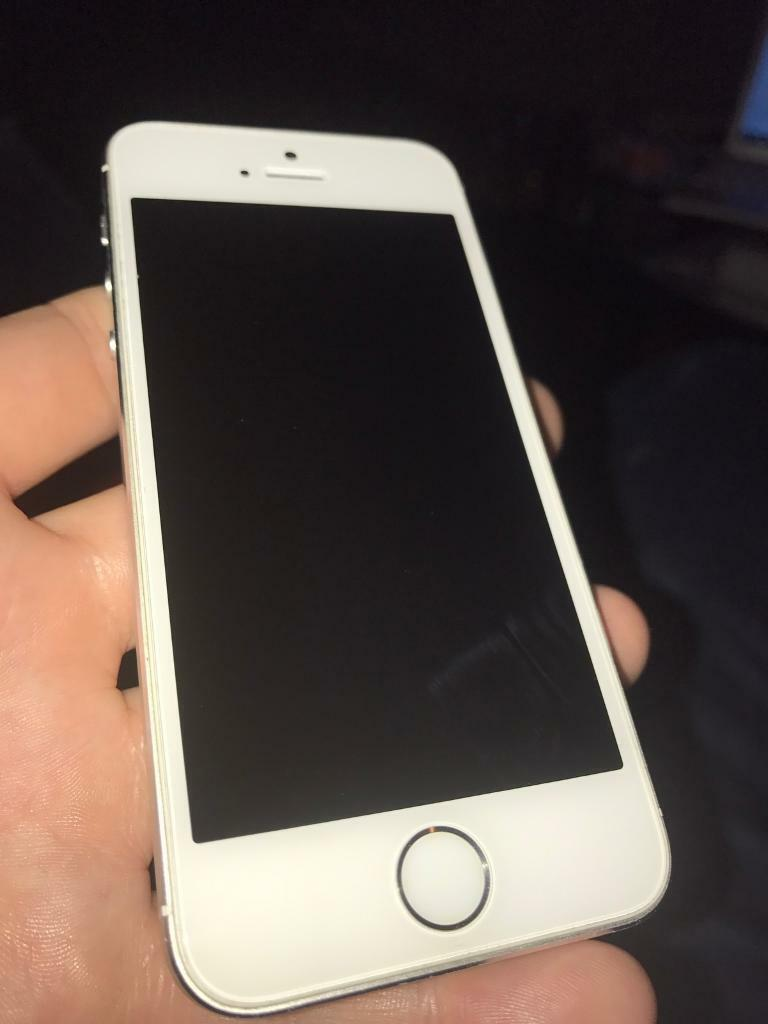iPhone 5s white 16gb Unlocked and boxedin Renfrew, RenfrewshireGumtree - iPhone 5s white 16gbImmaculate condition, kept in a case since new and with a screen protector. The screen protector has just been taken off to show the condition of the screen. It has never had the screen replaced so still has the original apple...