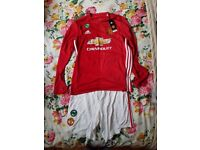 Brand New Manchester United Kit size Large. Long sleeve shirt with Pogba on the back.