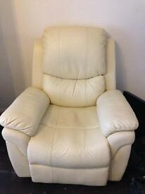 ELECTRIC RECLINER CHAIR ALSO MASSAGES