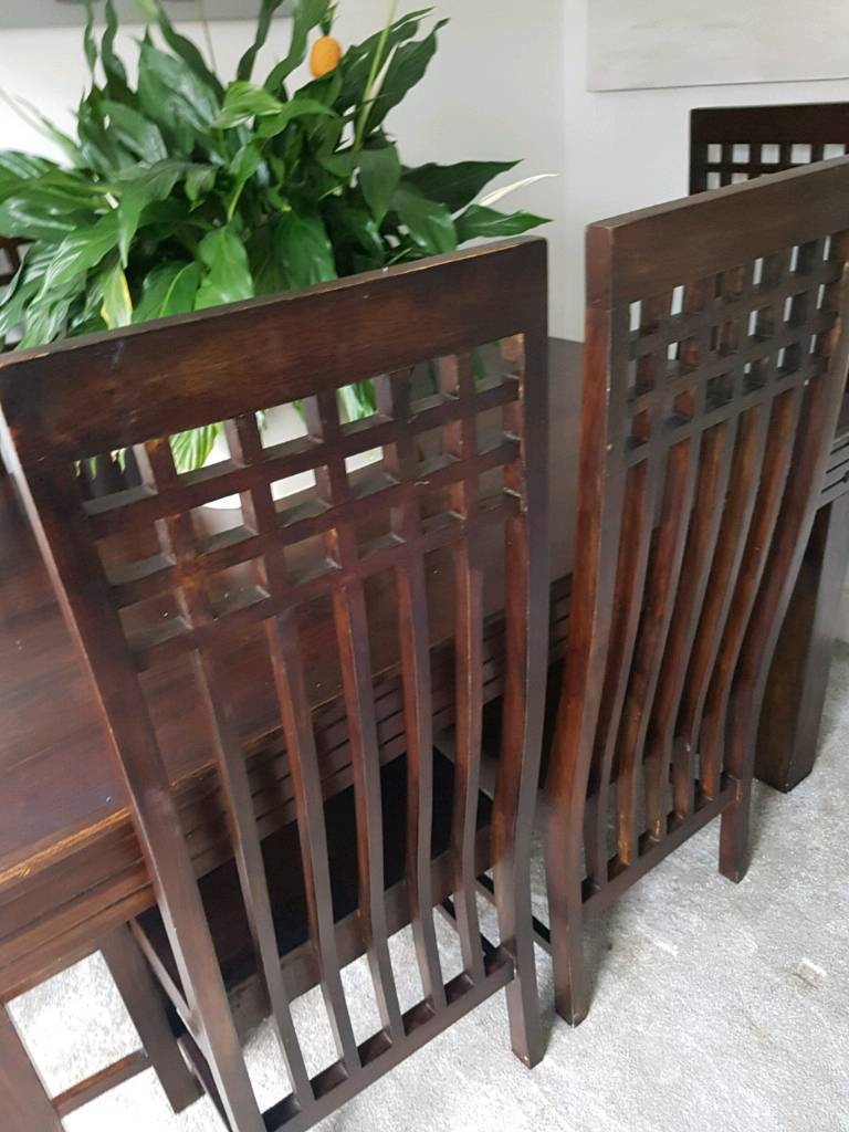 Reduced ❤Stunning solid table with 6 chairs