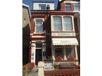 Holiday Apartment (3) in Blackpool Sleeps 4 People. Just Off The Prom Near The Pleasure Beach