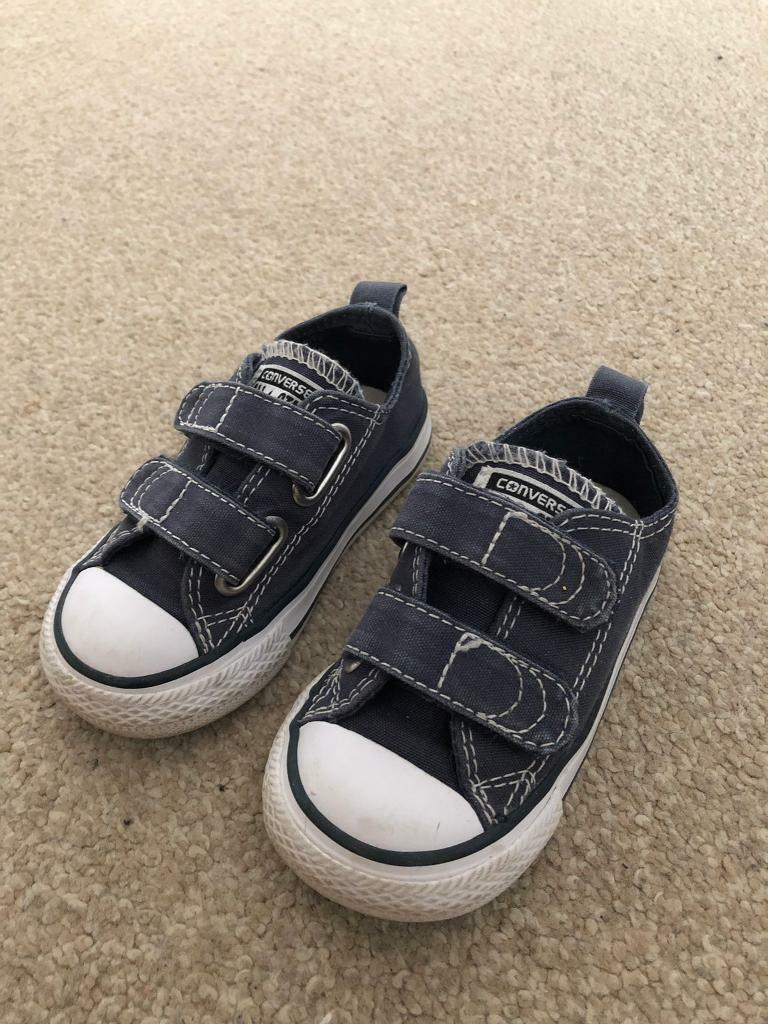 336bb214cd9d Kids Converse (Size 5)