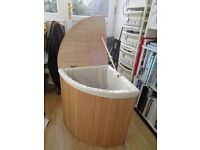 Corner Laundry basket in Natural bamboo