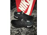 Men's Nike free run (size10)