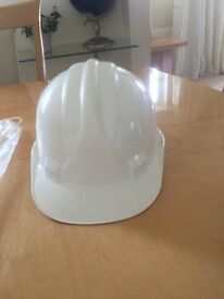 White hard hats x14 all brand new