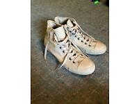 BARGAIN- size 10 sand coloured high top converse NEVER WORN