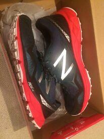 New Balance - 910 Men's Running Shoes (black/red) - Size 10 UK / 44.5 EU - BRAND NEW