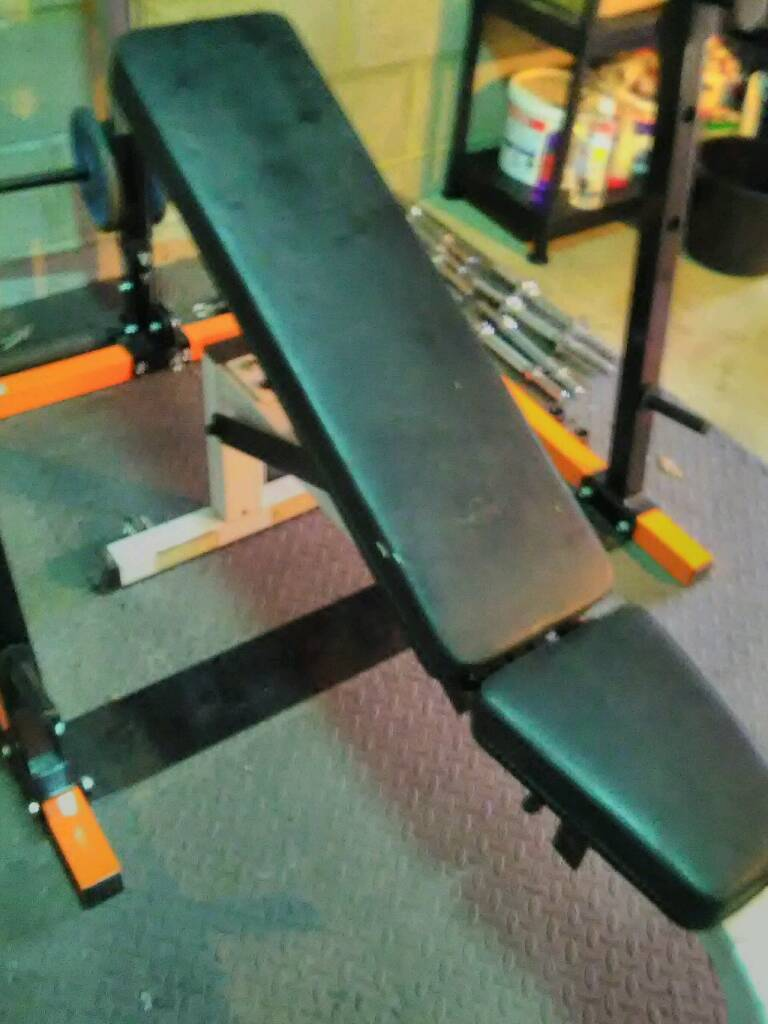 Body solid adjustable weights bench