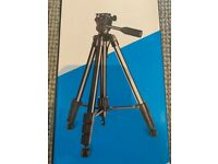 Andoer Tripod Stand Max height 1.46m - Unopened