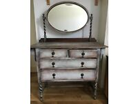 Oak chest of drawers/ dressing table