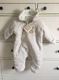NEW Unisex Baby snow suit 3/6months NEW