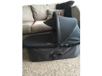 Baby Jogger Deluxe Carrycot