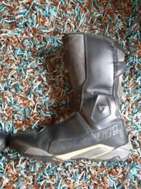 Used rev it waterproof motorcycle boots