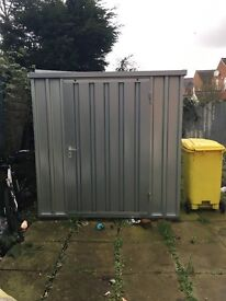 10ft metal container secure site £100 PER MONTH ****