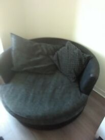 Swivel chair gd condition never used