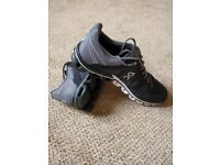 On cloudflow running shoes mens UK 9. WORN ONCE! RRP £120