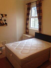 1 COOL DOUBLE ROOM AVAILABLE IMMEDIATELY IN KENSEL RISE - NW10 5AE