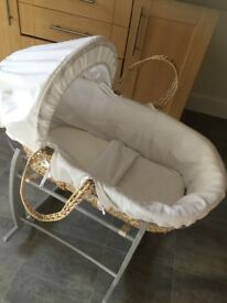 Mammas and pappas Moses basket and rocking stand