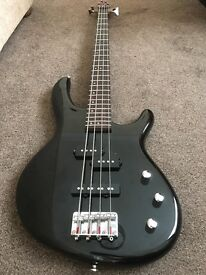 Cort Action bass guitar - immaculate