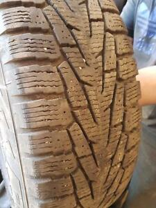 4 pneus d'hiver, Nokian, Hakkapelita 7 SUV, 225/65/17, 25% d'usure, mesure 9-9-9-10/32.