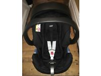 Cybex Aton baby car seat with Isofix base. Very good clean used condition from a smoke free home.
