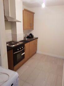 Studio flat to let bd1 area laminate floor newly furbishef