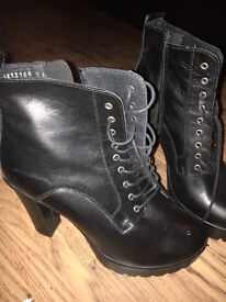 Size 8 New Look boots