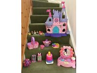 Calling all princesses!! Pink toy bundle for sale!
