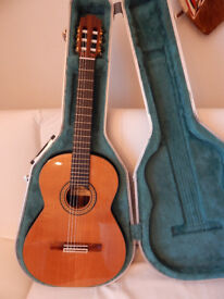 Admira Artista 4/4 Spanish Classical Guitar_Solid Cedar Top in Hard Case