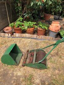 Webb Classic Push Lawnmower