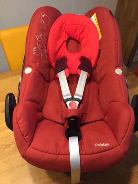 maxi cosi babyschale rot in berlin spandau kindersitz gebraucht kaufen ebay kleinanzeigen. Black Bedroom Furniture Sets. Home Design Ideas