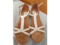 Clarks ladies size 7E sandals