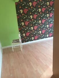 Double and single room to rent