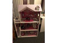 Isabelle's dolls house