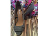Dark grey heels size 4