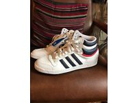 Adidas top ten brand new u can look pic 9.5 size and very nice