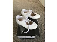 GIRLS DANCE TAP SHOES SIZE 6