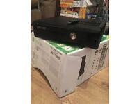 Xbox 360 & 34 games & extra usb 32gb