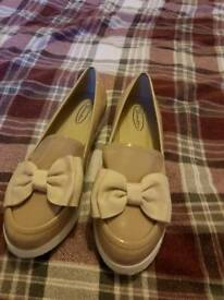 Lady's beige skip on shoes size 5