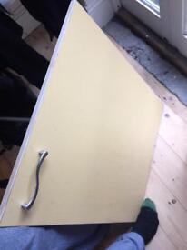 Kitchen doors & handles